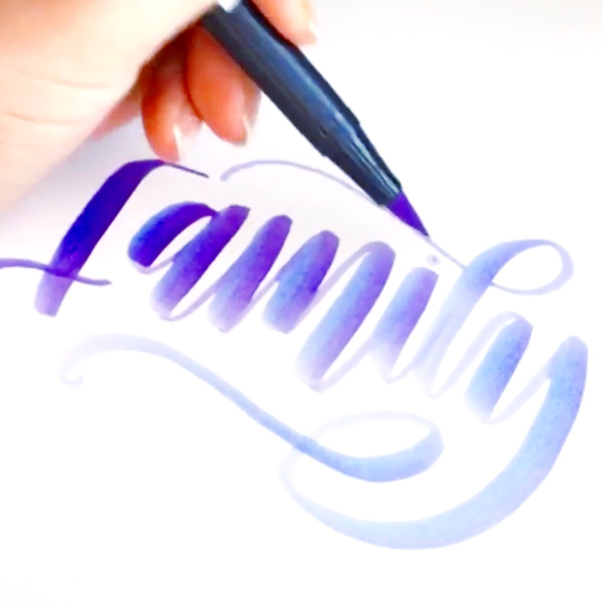 Lauren of @renmadecalligraphy shares 5 tips for learning how to letter with Tombow Dual Brush Pens.