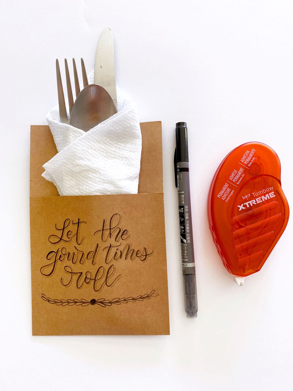 Simple and Easy Thanksgiving Decor with Tombow! #tombow #thanksgiving