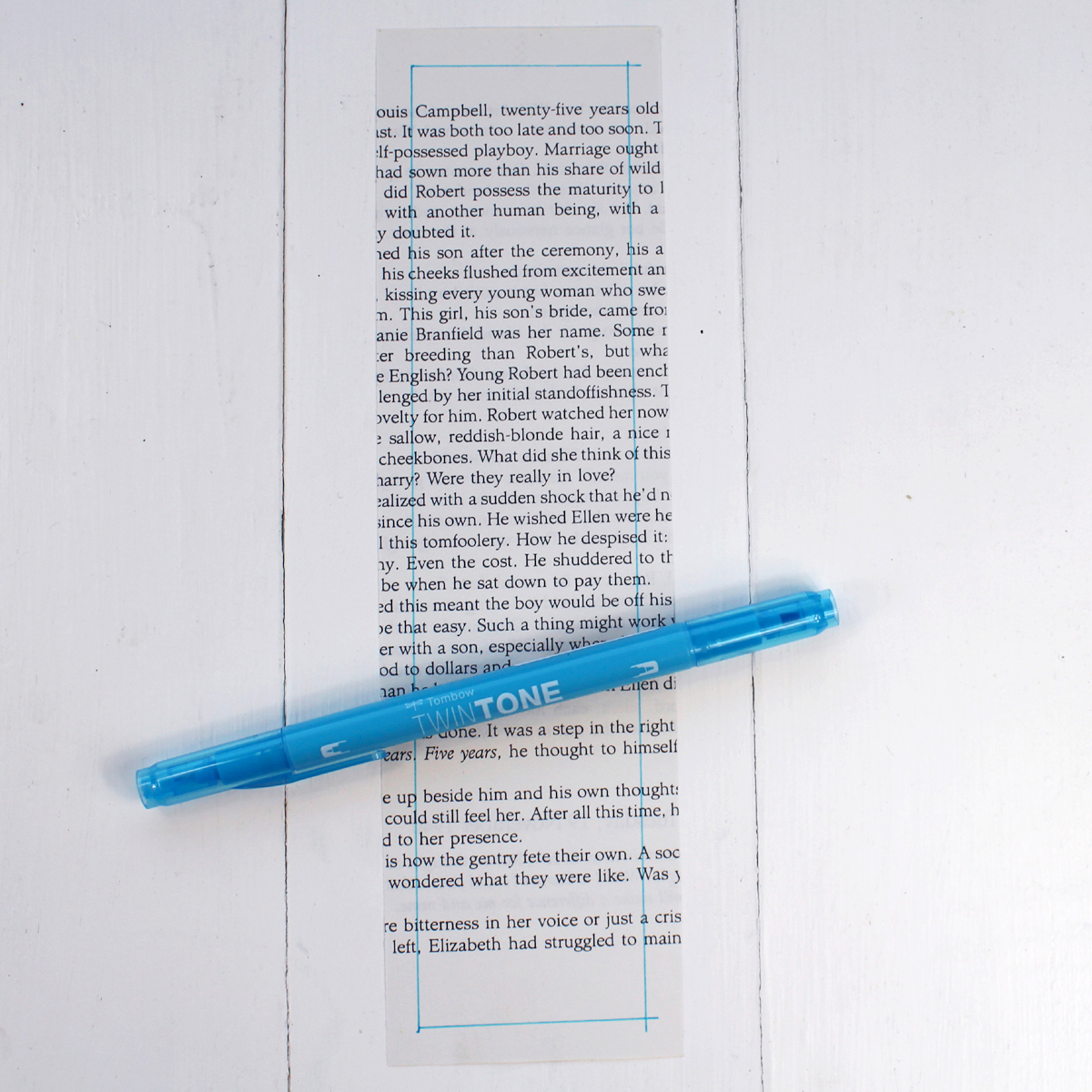 Design 1: Floral Doodles Use a straight edge to give the bookmark a border.