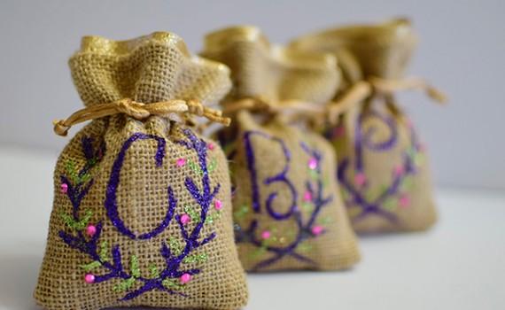 DIY Bridesmaid Monogram Burlap Gift Bag